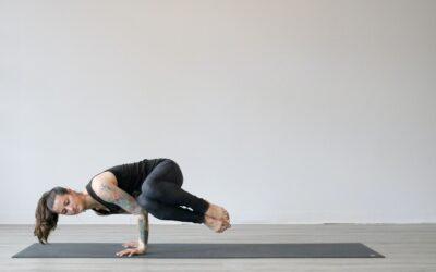 Guide: Sådan vælger du mellem de mange forskellige yogamåtter